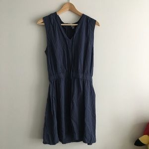 Converse Low Waist Sleeveless V Neck Dress